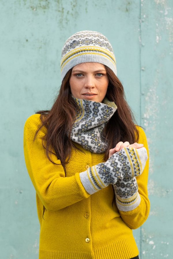 Fair isle cowl scarf grey yellow Scottish lambs wool Stockbridge gray