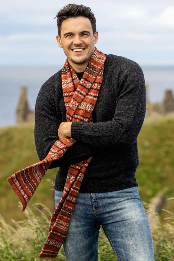 Fair isle scarf rust black Scottish lambs wool Scalloway