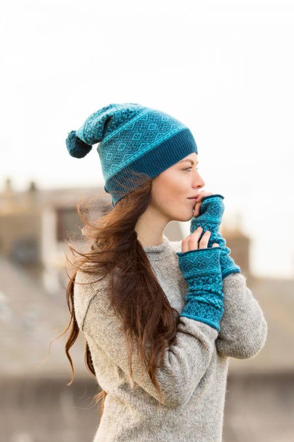 Rubislaw fair isle ski hat teal with gloves