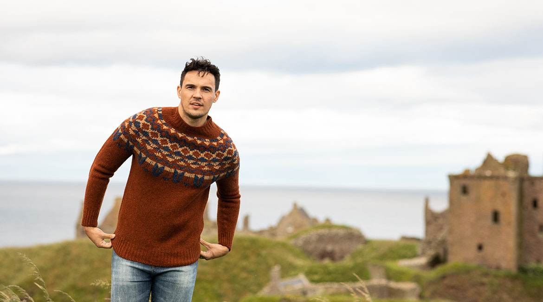 Mens Scottish knitwear Jumpers Sweaters wool