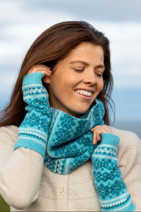 Fair isle fingerless gloves aqua hand wrist warmers Scottish lambs wool Stockbridge