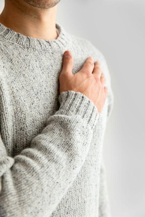 mens chunky scottish wool crew neck jumper sweater light grey limestone