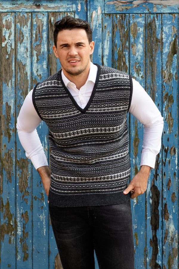 Mens Grey fair isle sleeveless jumper sweater vest. tank top, slipover