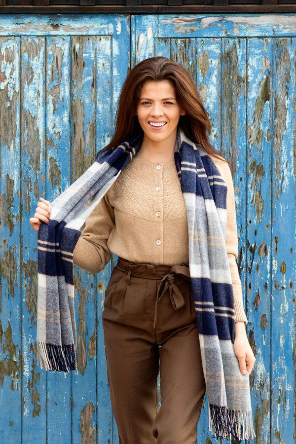 Tartan blanket large scarf. Silver Bannockbane. Scottish lambs wool