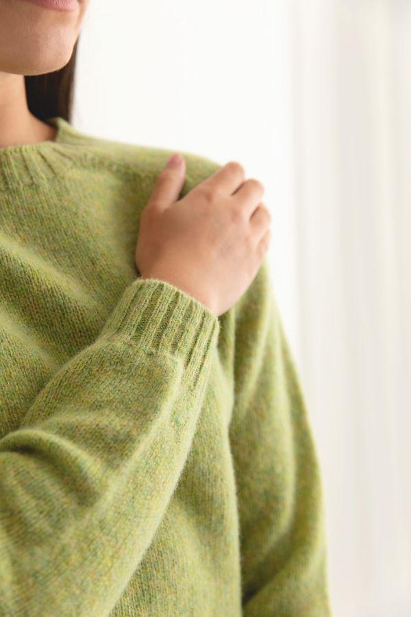 womens lime shetland wool jumper sweater saddle shoulder green close up